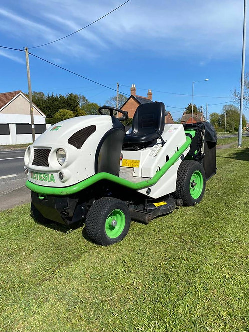 Etesia  Hydro 100D BLSP diesel cut and collect mower