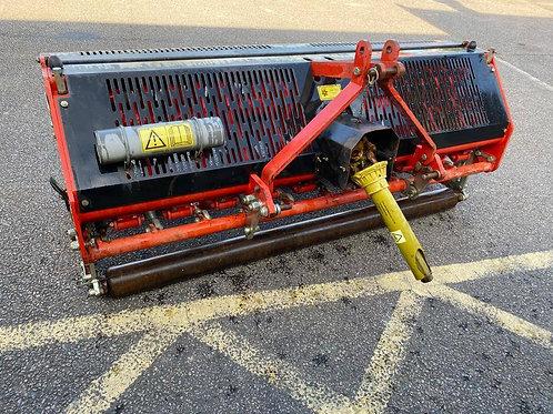 Redexim Verti-Drain 7117 compact tractor mounted aerator