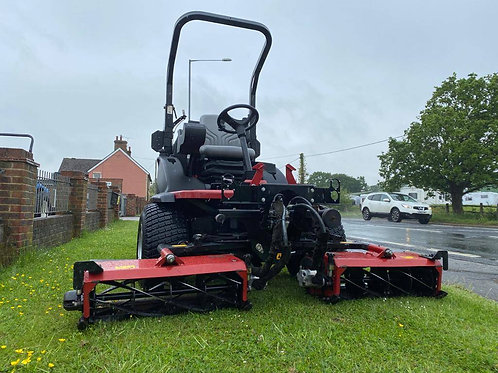 Toro LT3340 4 wheel Drive commercial triple mower