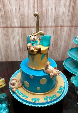 #tumblingbearscake 1st birthday cake