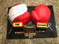 #boxinggloves #carvedcake