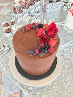 #chocolatecakewithberries