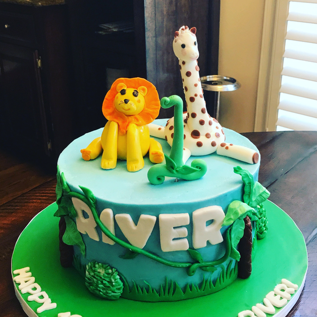 #1stbirthday #giraffecake