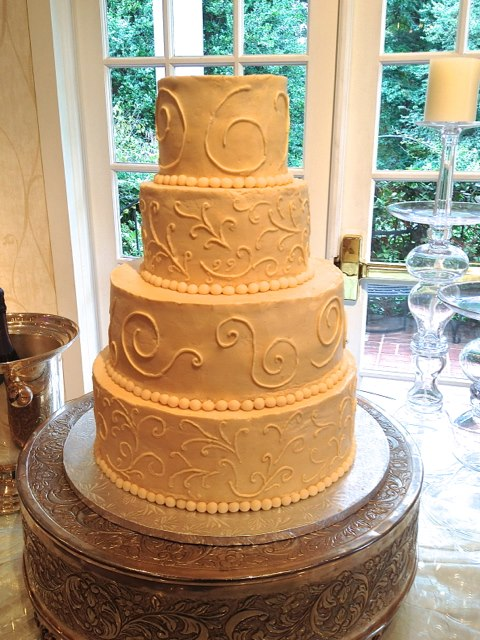Wedding Cake Swirls 4 Tiers.jpg