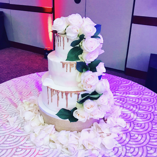 #dripcake #golddrip #weddingcake