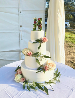 Simple Beauty White Wedding Cake