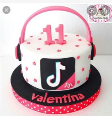 Cake Anna likes, no logo