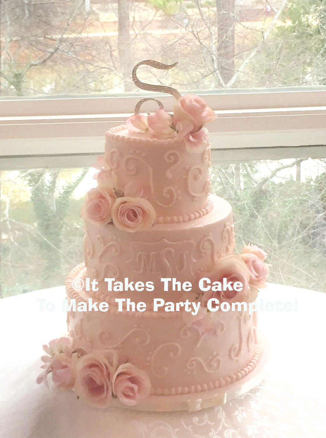 #rosebuttercreamiced wedding cake