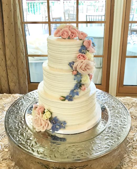 #buttercreamiced #weddingcake