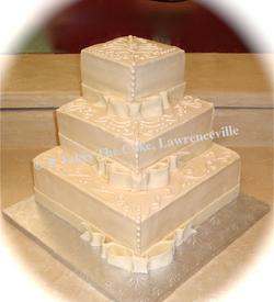 Wedding Cake Square w Bows.png