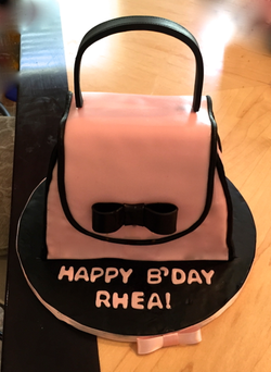 Pink Purse cake simple.png