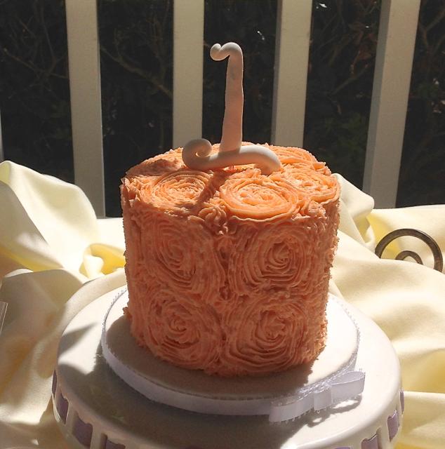 1st Birthday Smash cake Roses.png