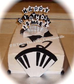 Birthday music piano cake.png