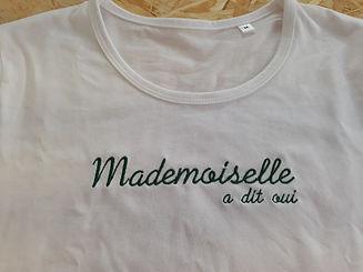 Tee_shirt_brodé_mademoiselle_a_dit_oui_l
