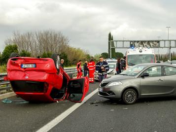 Si tengo un accidente de tráfico,¿Quién paga los gastos médicos?
