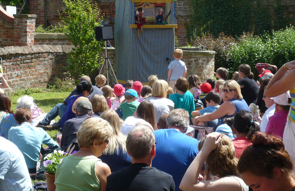 Professor Malcolm's Punch and Judy, Photo by Mark Eve