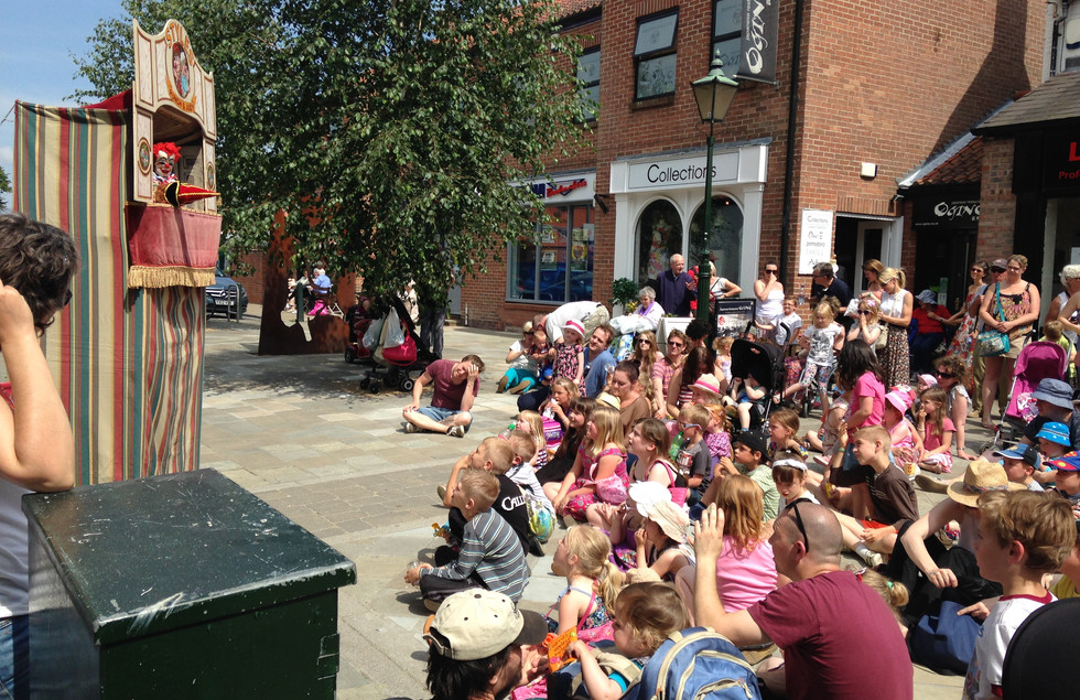 Punch and Judy, Photo by Les Gibbon