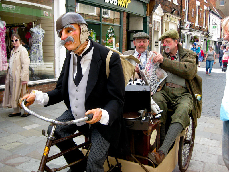 The Rickshaw by Clive Chandler, Photo by Les Gibbon