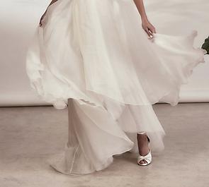 freyarose.wedding.shoes.png
