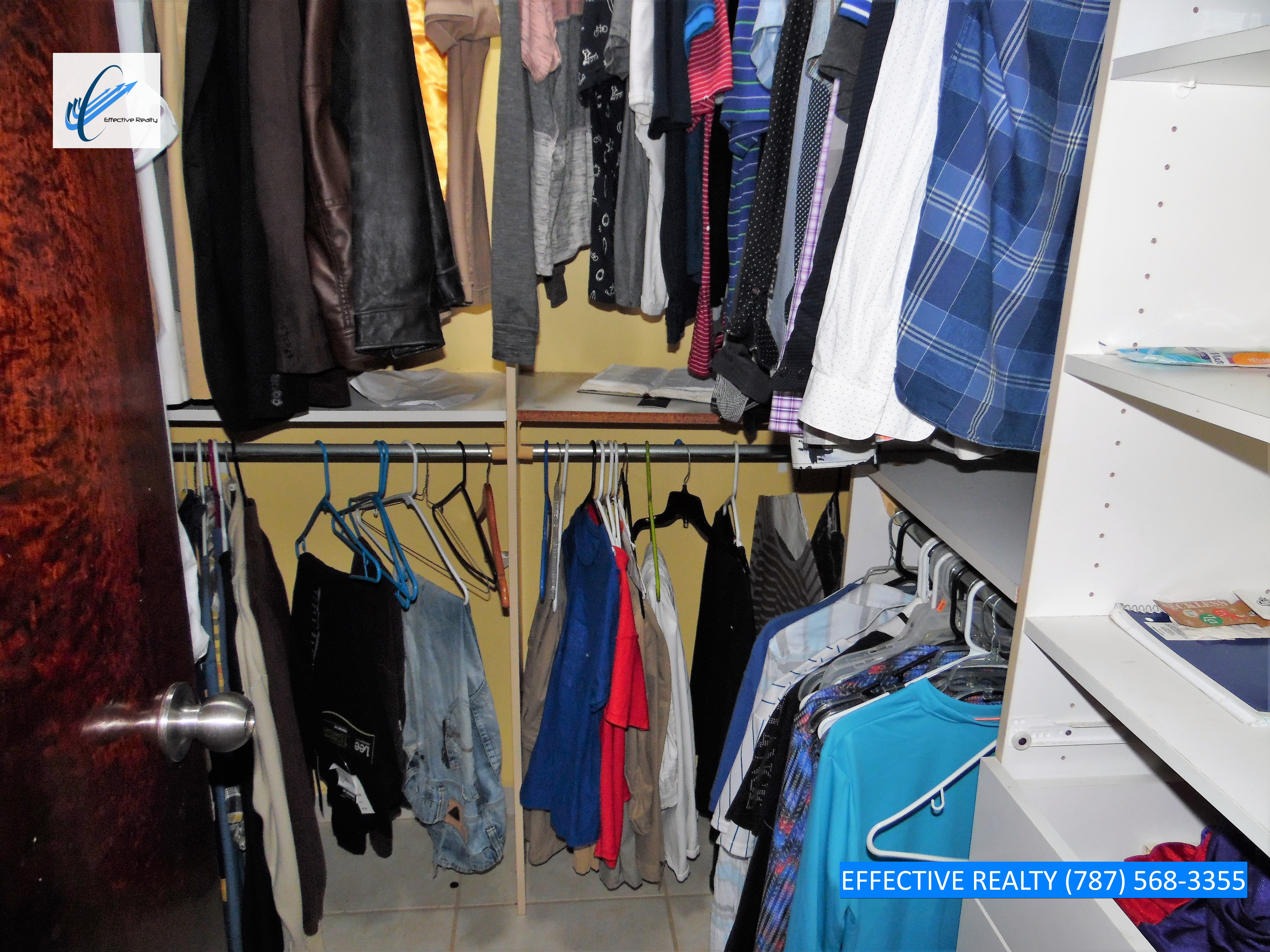 Walk-in Closet 1