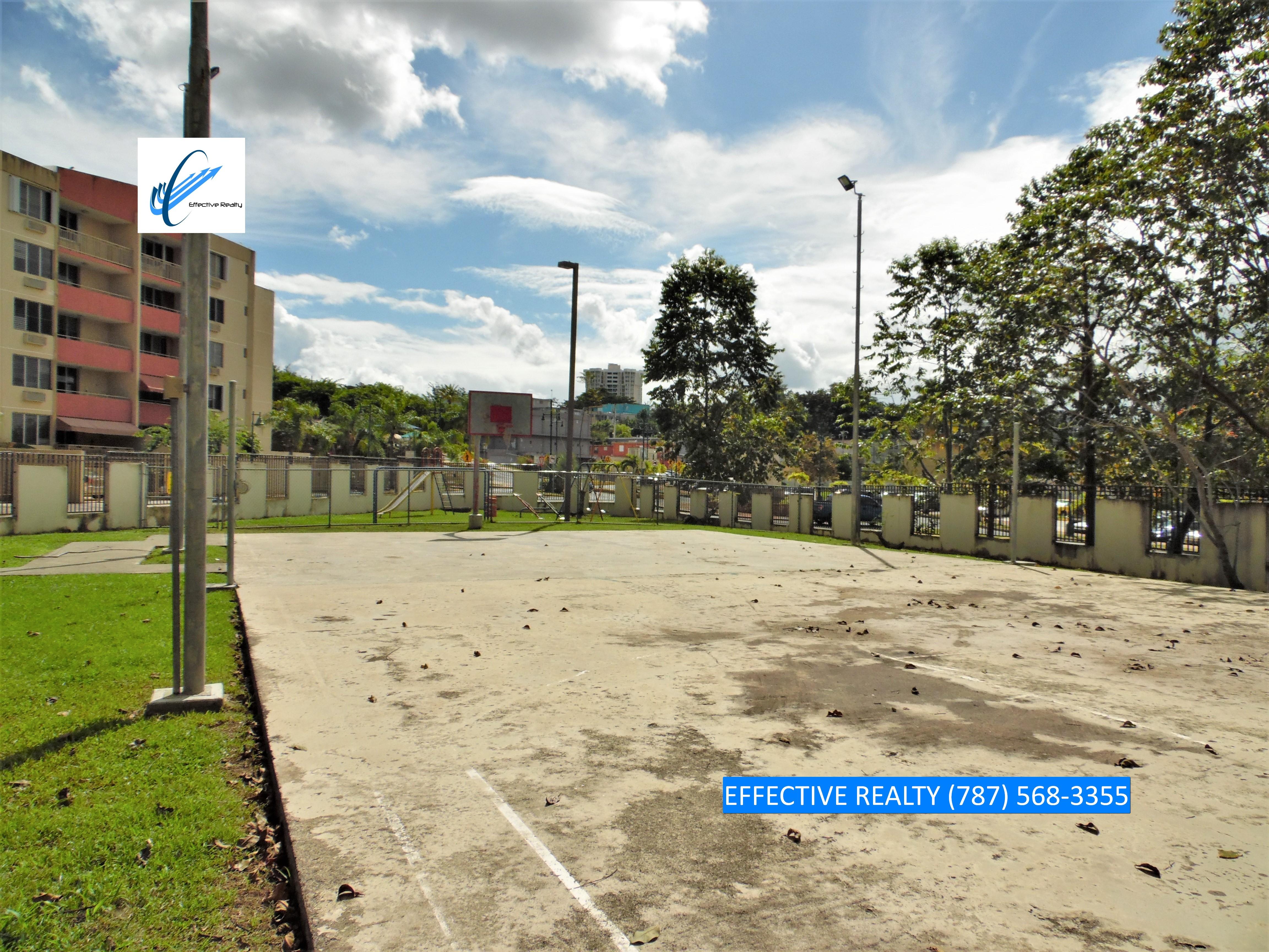 Cancha y Playground de Portal de Sofia