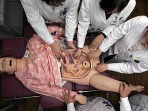 ¿Estudiantes en los partos?