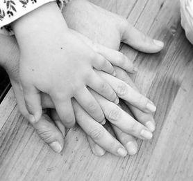 manos bebé.jpg