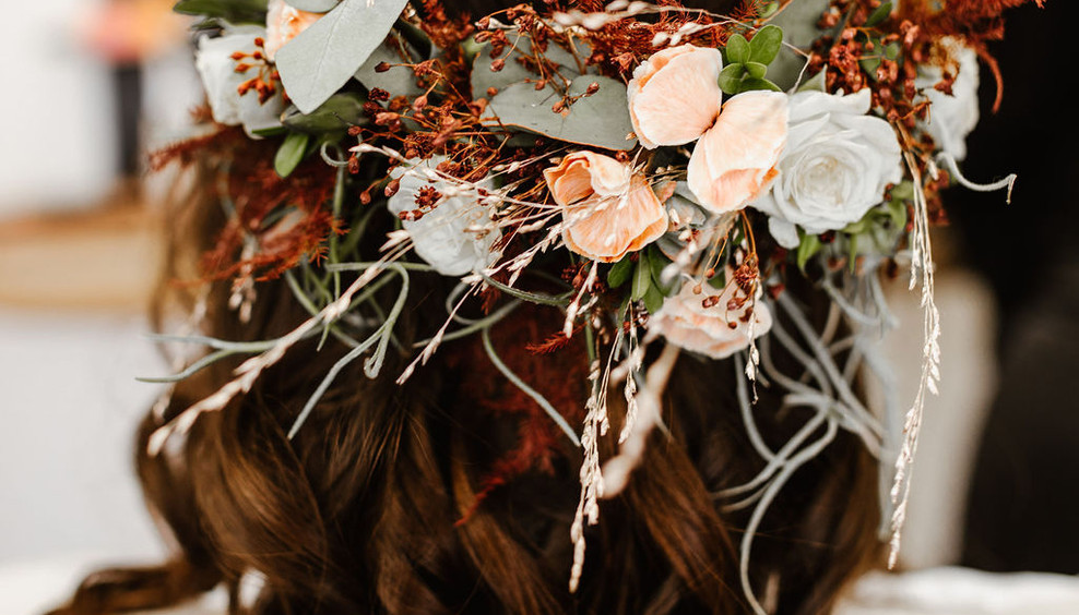 Styled_Shooting_Mountain_Elopement_Getti