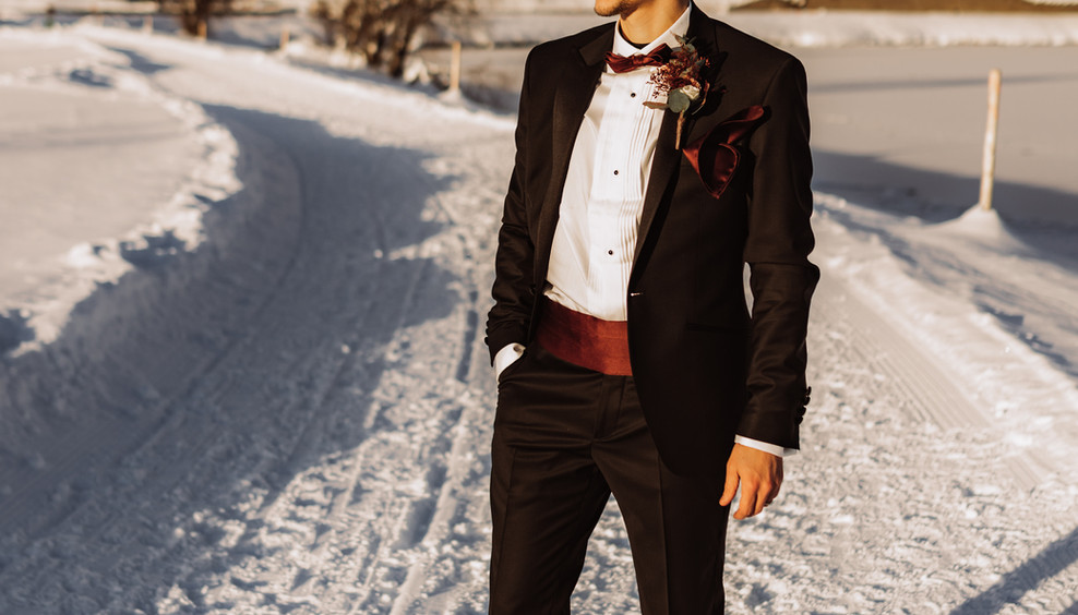 Styled_Shooting_Mountain_Elopement_Frist
