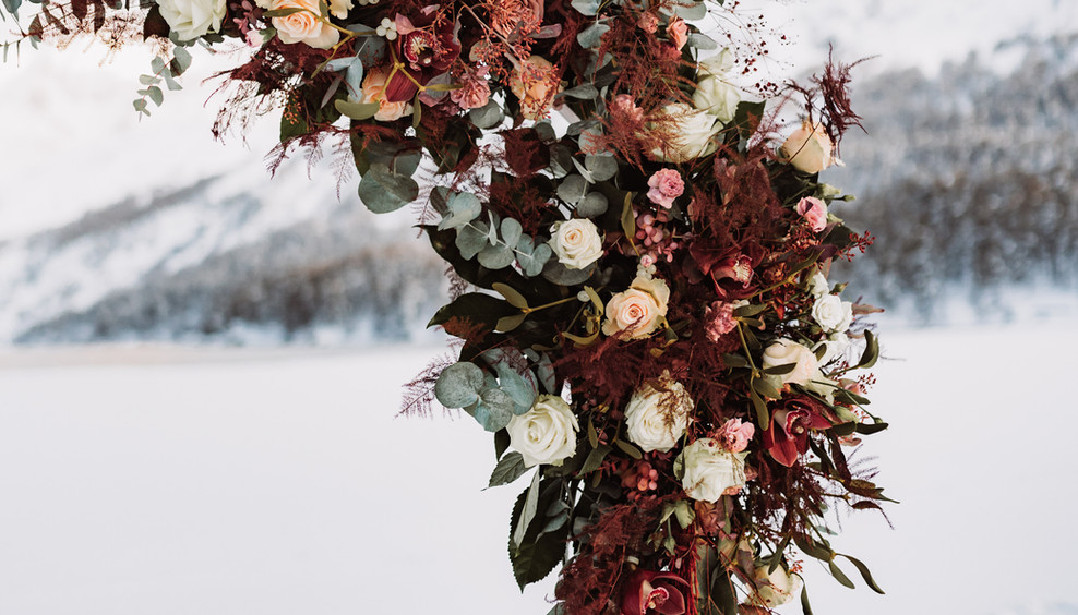 Styled_Shooting_Mountain_Elopement_Flowe