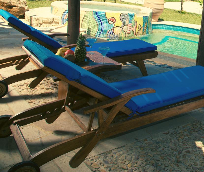 Pool Deck & Sunbeds