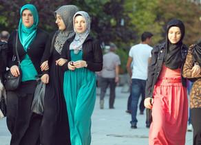 Degradação dos valores femininos na sociedade moderna e o exemplo vivo e atual de Fátima Az-Zahra (S