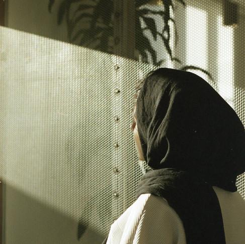 Reconhecendo o anti-xiismo estrutural nos espaços dominantes sunitas
