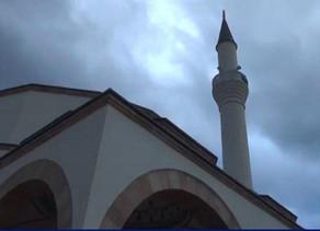 Azan (chamado para a oração) foi ouvido na mesquita da Macedônia depois de mais de um século