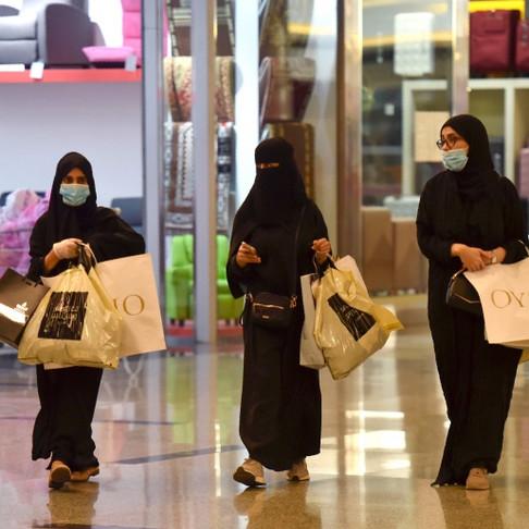 Islamofobia: Niqab não, máscaras contra o Covid sim