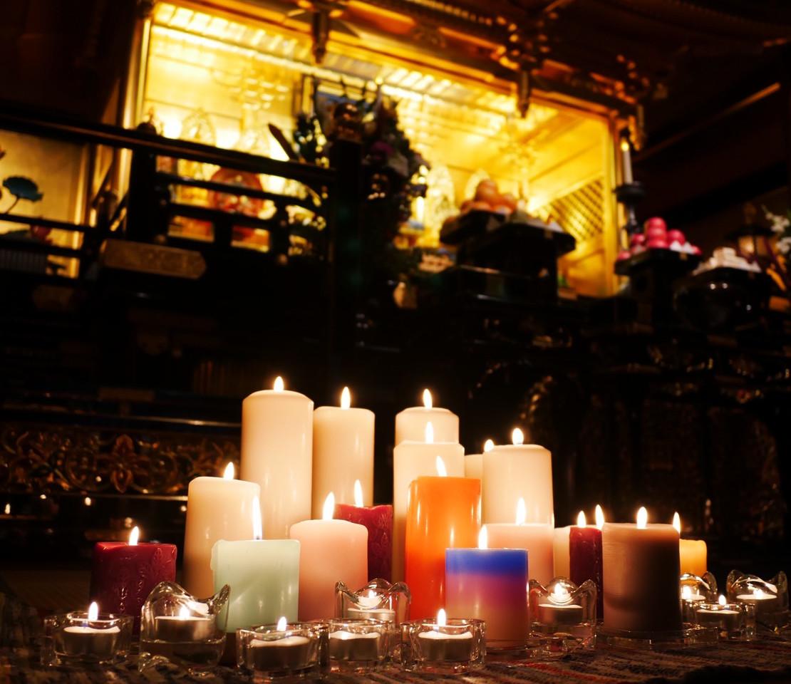 毎月第4日曜日常在寺CandleYOGA