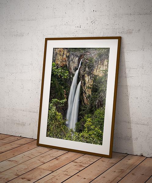 Cachoeira Rio Preto II (120 m) em uma trilha de 11 km na entrada do Parque Nacional da Chapa dos Veadeiros.