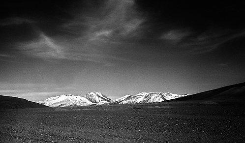 Estrada de pedras no Deserto de Dalí, na Bolívia.