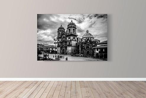 A Catedral de Cusco, erguida na Praça das Armas, onde dezenas de milhares de Incas morreram em confrontos com os espanhóis