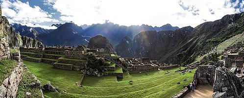 Ter a oportunidade de estar em Macchu Picchu e sentir a energia que está lá empregnada é algo que não se explica com palavras