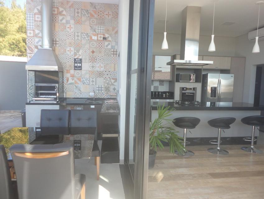 area churrasqueira e cozinha.jpg