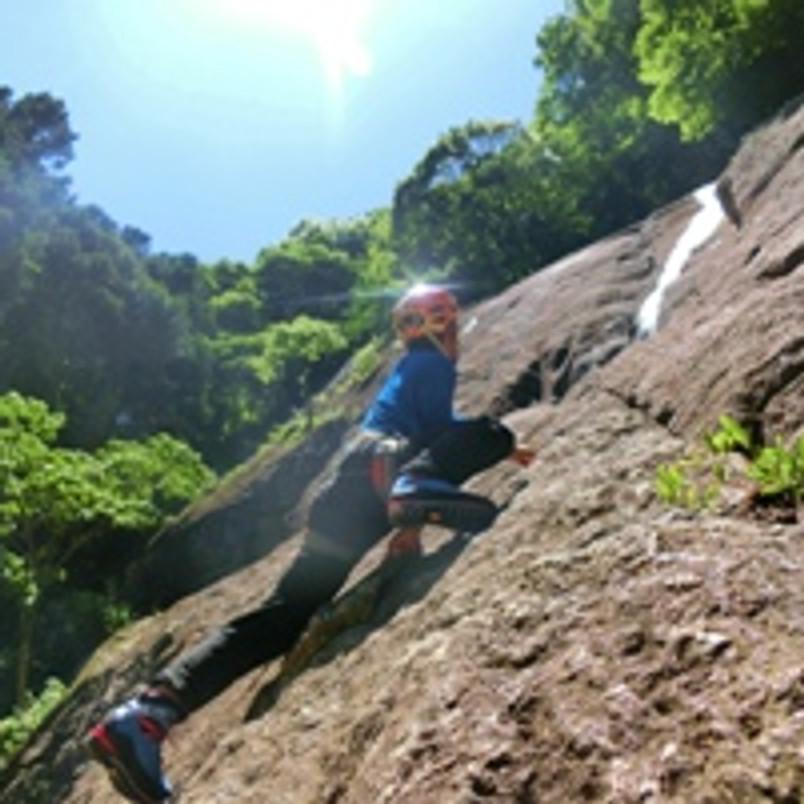 登山に役立つ岩登り 厚木 広沢寺弁天岩