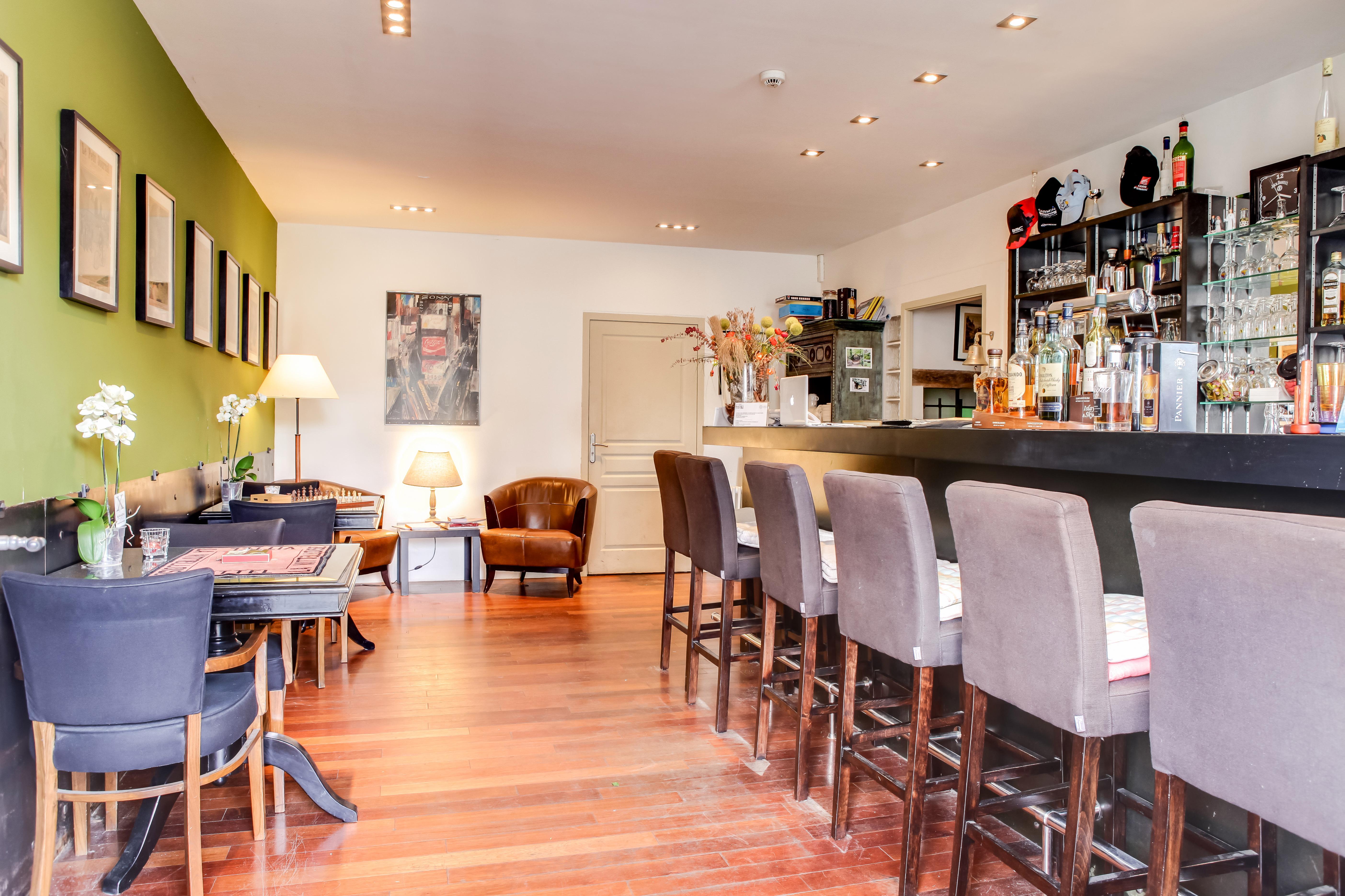 Salle_accueil_bar