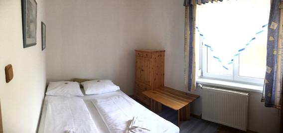 Schlafzimmer klein Ferienwohnung (2018_0
