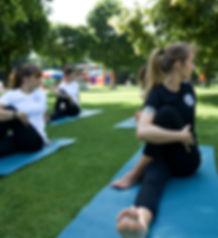 yoga.gleis14_54.jpg