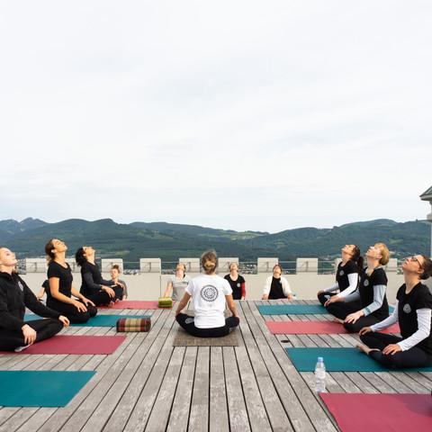 Yoga auf dem Sälischlässli