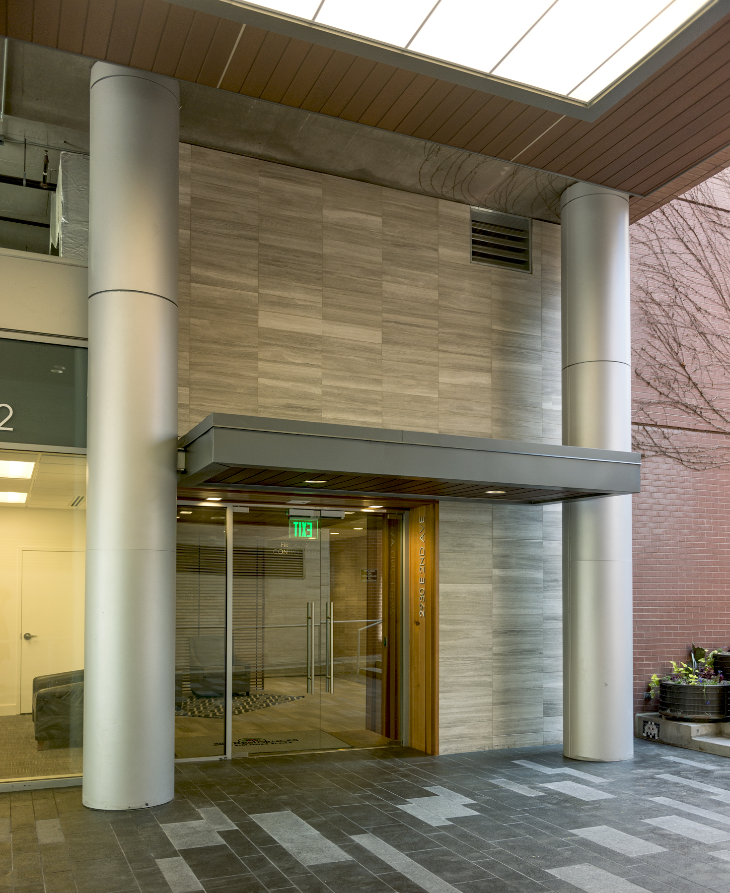 8 Residences at Fillmore Plaza Cherry Creek open studio architecture OSA - breezeway entry