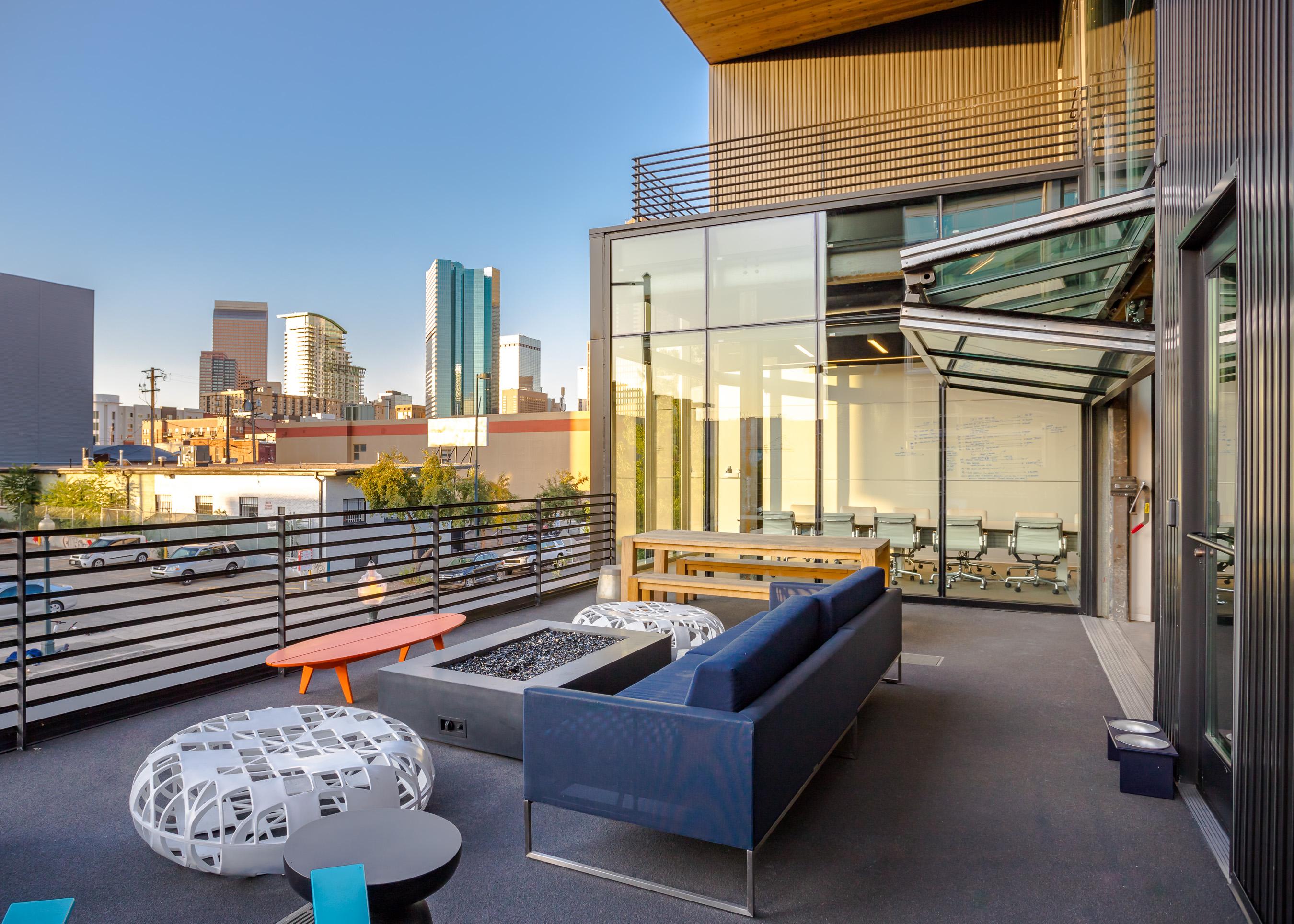 10 OSA exterior courtyard downtown view.