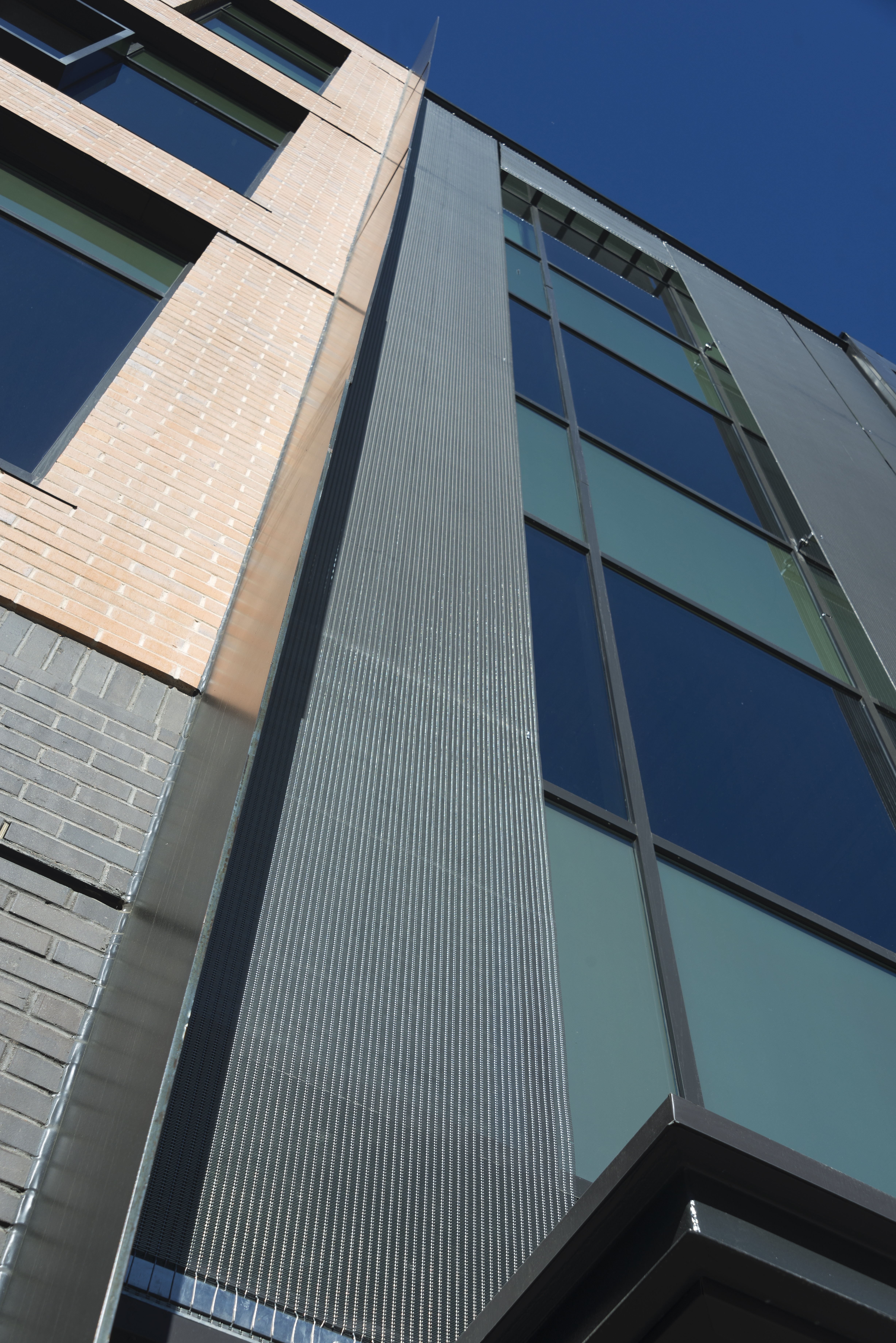 9 Circa facade