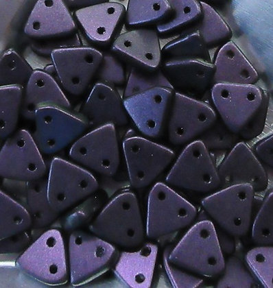 94101 - 6mm 2-Hole Triangle, Eggplant Miracle Iris, 8 Grams